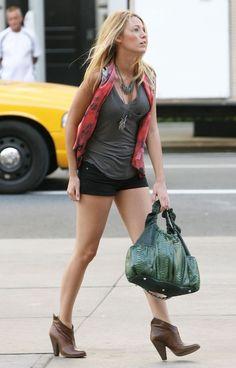 2f70c101352a gossip girl summer outfits - Google Search Estilo Serena Van Der Woodsen