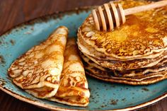 The most fluffy pancakes in the job - Culinary recipes - Romanian and from the . - The most fluffy pancakes in the job – Culinary recipes – Romanian and from the … - Paleo Recipes, Sweet Recipes, Crockpot Recipes, Cooking Recipes, Romanian Desserts, Romanian Food, Halloumi Burger, Food Categories, Diy Food