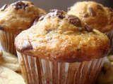Rețetă Briose cu banane si ciocolata de Oana11 - Petitchef New Recipes, Cookie Recipes, Dessert Recipes, Easy Recipes, Cake Videos, Food Videos, Fish Breading, Bread Soup, No Cook Desserts
