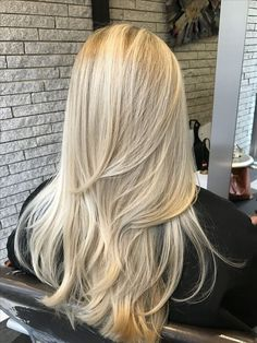 Champagne Blonde Hair, Red Blonde Hair, Blonde Hair Shades, Strawberry Blonde Hair Color, Blonde Hair Looks, Blonde Hair With Highlights, Balayage Ombré, Honey Hair, Wig Hairstyles