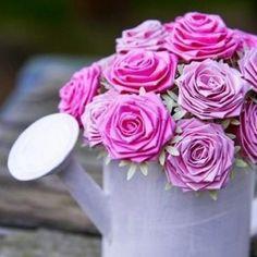Come fare rose origami - Tutorial Simple Rose, Easy Rose, Origami Tutorial, Diy Flowers, Bonsai, Cupcakes, Plants, Garden, Beautiful