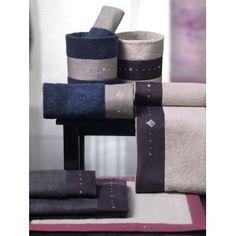 Completo da bagno in spugna con applicazioni Swarovski http://www.lineahouse.it/product.php?id_product=109