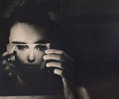 """""""Mesmo se ainda restasse tempo e fé para se transformar em algo diferente, provavelmente você mesmo não iria querer se transformar; e, se quisesse, ainda assim não faria nada, porque talvez não houvesse no que se transformar."""" Dostoiévski / Notas do Subsolo     Foto: Martin Stranka"""