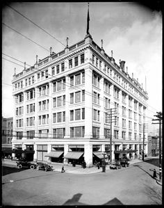 Hudson's Bay Company store at Georgia and Granville, Date: February 17 1917 VPL Accession Number: 20216 Hudson Bay, Historical Images, Vancouver, Georgia, February, Bucket, Street View, Canada, Number
