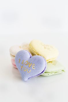 How to make pretty conversation heart macarons.