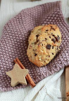 Ihr Lieben, heute starte ich offiziell in die Weihnachtsbäckerei. Und ich muss sagen: Dieses Jahr bin ich wirklich schon früh in Stimmung. In Dresden ist es auch pünktlich zum 1. Advent richtig kna…