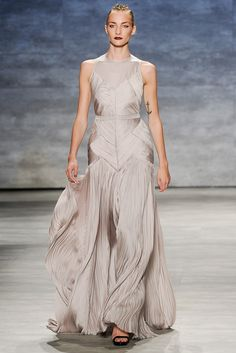 See the complete Bibhu Mohapatra Spring 2015 Ready-to-Wear collection.
