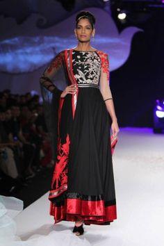 Delhi Couture 2013; Indian Fashion