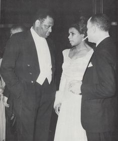 "Marian Anderson with bass-baritone Paul Robeson during dinner in Anderson's honor, New York, 1939 (from ""The Whole World in His Hands: A Pictorial Biography of Paul Robeson"" by Susan Robeson) Kathleen Battle, Jessye Norman, Marian Anderson, Leaving A Legacy, A Hundred Years, Performing Arts, Biography, Bass, Stage"