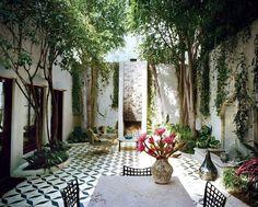 Garden Patio Decor Outdoor Rooms New Ideas Patio Tiles, Outdoor Tiles, Wood Patio, Outdoor Rooms, Outdoor Living, Outdoor Decor, Vogue Home, Decor Inspiration, Decor Ideas