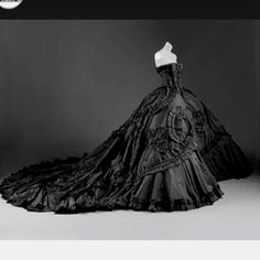 Phantom of the Opera dress??  I love this dress, and phantom of the opera <3