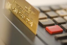China's Traditional Banks Move Into Online Consumer Credit Business