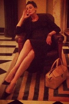 British Model Erin O'Connor looks chic at Claridge's Hotel with her Aspinal of London Berkeley Bag