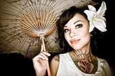 Cutie! Tattooed woman