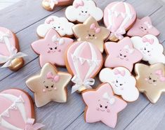 New baby shower cupcakes pink etsy ideas Gateau Baby Shower, Deco Baby Shower, Baby Shower Cupcakes, Birthday Cupcakes, Shower Cakes, Baby Shower Parties, Shower Favors, Galletas Cookies, Iced Cookies