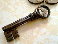 Chiave antica in ferro battuto secolo XVII old iron key 1600' -chiavi collezione