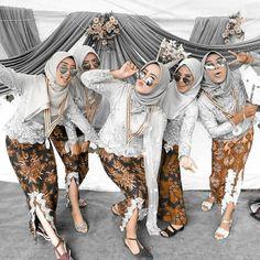 Model Dress Kebaya, Model Kebaya Muslim, Kebaya Modern Hijab, Model Kebaya Modern, Kebaya Hijab, Batik Kebaya, Hijab Style Dress, Casual Hijab Outfit, Party Fashion