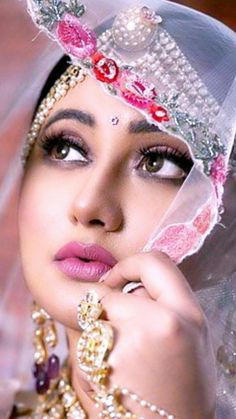 Beautiful Girl Indian, Beautiful Girl Image, Beautiful Indian Actress, Beauty Full Girl, Beauty Women, Beautiful Girl Wallpaper, Angels Beauty, Stylish Girl Images, Beautiful Bollywood Actress