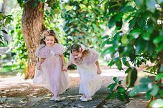 How to entertain children at your wedding! See more here http://www.love4wed.com/how-to-entertain-children-at-your-wedding/ Photo by George pahountis #kidsatweddings #flowergirls #flowersgirldresses
