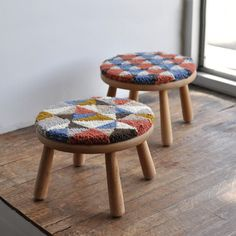 Punch needle embroidery stool covers OXFORD punch needle Punch needle embroidery stool covers Making a long stitch to mimic embroidery with a punch needle and yarn Round cushion D Pattern Punch needle Rug Stool Covers, Punch Needle Patterns, Arts And Crafts, Diy Crafts, Deco Design, Punch Art, Punch Punch, Fabric Crafts, Weaving