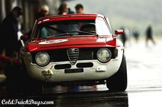 To know more about Alfa Romeo Giulia Sprint GTA, visit Sumally, a social network that gathers together all the wanted things in the world! Featuring over 598 other Alfa Romeo items too! Vintage Sports Cars, Vintage Racing, Vintage Cars, Vintage Bikes, Alfa Romeo Cars, Alfa Gtv, Alfa Alfa, Touring, Muscle Cars