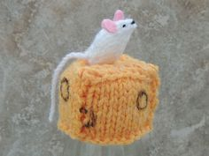Innocent Smoothies Big Knit Hat Patterns Mouse on Cheese Knitting Patterns Free, Knit Patterns, Free Knitting, Knitting Ideas, Cute Crochet, Crochet Crafts, Knit Crochet, Crochet Butterfly Free Pattern, Quick Knitting Projects