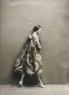 The stunning Carmen Dell'Orefice, looking equal parts mysterious, prim, regal and desirable in this undated Harper's shoot by the inimitable Richard Avedon.