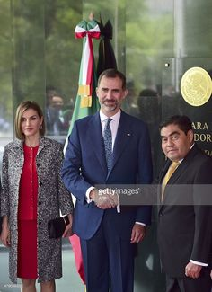 King Felipe VI (C) of Spain shakes hands with Miguel Barbosa (R), president of the Mexican Senate, next to Queen Letizia (L), in Mexico City, during an official visit, on June 30, 2015. Spain's King Felipe VI and Queen Letizia began a three-day trip to Mexico on Monday, making their first state visit to the Americas since their coronation. AFP PHOTO/RONALDO SCHEMIDT        (Photo credit should read RONALDO SCHEMIDT/AFP/Getty Images)