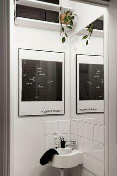 La maison d'Anna G.: noir et blanc Glass Bathroom Cabinet, Glass Sink, Contemporary Bathrooms, Modern Bathroom, Small Bathrooms, White Bathroom, Master Bathroom, Stockholm, Modern Sink
