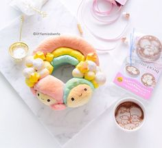 「 [Shoutout] Little Twin Stars pull apart bread! It's baking time! Super happy with the end result of this and loving the pastel colours. Japanese Bread, Japanese Food, Japanese Desserts, Kawaii Cooking, Star Bread, Cute Bento Boxes, Kawaii Bento, Bread Art, Cute Buns