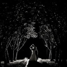 A photo under the moonlight is the perfect way to end your wedding day! #weddinggawker