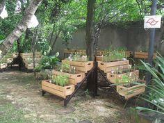 Paisagismo produtivo, horta em caixas de madeira. Foto: Arquivo pessoal/ Projeto: Arquiteta paisagista Camila Simhon