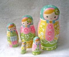 Spring matryoshka Matrioska- Matroschka- Matriochka- Matrjosjka- russische Puppe Matroesja- Russian Nesting Doll   www.matrioskas.es