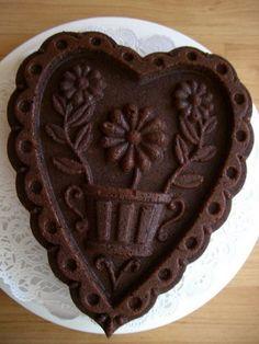 Chocolate Cake Heart #chocolates #sweet #yummy #delicious #food #chocolaterecipes #choco #chocolate
