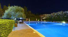 Centro Ippico Chirone, con ristorante a bordo piscina. Palermo, Via Chirone. Tour virtuale: https://maps.google.it/maps?q=centro+ippico+chirone&ll=38.190649,13.311524&spn=0.008921,0.021136&sll=38.190774,13.311268&layer=c&cid=7360408156767878758&panoid=HFhH5FQsa9kAAAQfCQfVDw&cbp=13,221.39,,0,-1.12&gl=it&t=h&cbll=38.190649,13.311524&z=16