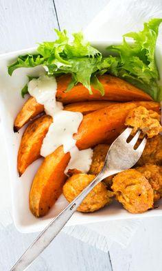 Broileripyörykät ja uunibataatit | Maku Tandoori Chicken, Food Art, Food Inspiration, Carrots, Food And Drink, Lunch, Dinner, Vegetables, Cooking