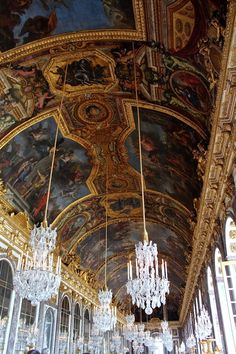 Hall of mirrors, Versailles. Been there seen that. Beautiful.