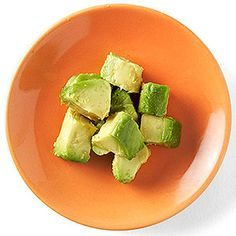 Baby's First Finger Foods What: Cubes of avocado Tip: The soft texture of avocado makes it a perfect snack while your little one is still learning to chew. Cut the avocado into small cubes before serving. Toddler Meals, Kids Meals, Toddler Food, Baby Meals, Toddler Stuff, Kid Stuff, Starting Solid Foods, Starting Solids, Baby First Finger Foods