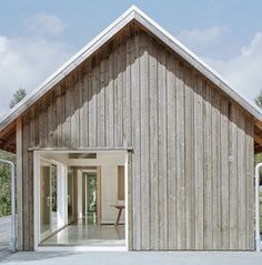 Stockholm-based practice Mikael Bergquist Architects have designed a vacation house in northern Bohuslän, Sweden. The exterior of the house is clad with untreated natural timber Architecture Durable, Modern Architecture, Vernacular Architecture, Architecture Interiors, Sustainable Architecture, Ideas Cabaña, Sweden House, Timber Cladding, Exterior Cladding