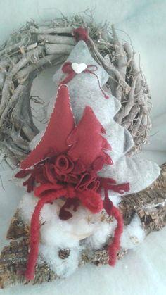 albero di Natale fuoriporta in feltro 20 euro per info adriana.loria@tiscali.it