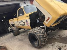 Chevy Pickup Trucks, Classic Chevy Trucks, Lifted Ford Trucks, Gm Trucks, Diesel Trucks, Cool Trucks, Chevy 4x4, Chevrolet Silverado, Truck And Tractor Pull