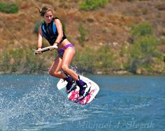 Surfing holidays is a surfing vlog with instructional surf videos, fails and big waves Kitesurfing, Wakeboarding Girl, Wakeboard Boats, X Games, Water Photography, Cycling Art, Cycling Quotes, Cycling Jerseys, Road Cycling