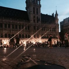 Meanwhile somewhere in #Brussels #busking #acousticguitar