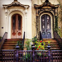 Spotted these cool doors walking around downtown Bull Street ~ downtown Charleston, SC. Charleston Style, Charleston Homes, Beautiful Buildings, Beautiful Places, Cool Doors, Door Knockers, Historic Homes, Windows And Doors, Rue