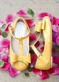 Buy Joyfolie Shoes from One Good Thread L.L.C. at Discount. The Kids clothing store sells Joyfolie Boots, Joyfolie Blooms, Joyfolie Sandals, Joyfolie Flats, Joyfolie Blossom, Joyfolie Clothing, Joyfolie Dresses, Joyfolie Lace Capelet and provides FREE Shipping in USA regions.