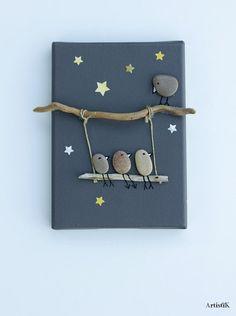 of the Best Creative DIY Ideas For Pebble Art Crafts Tableau galets oiseaux bois flotté fond ant Stone Crafts, Rock Crafts, Fun Crafts, Diy And Crafts, Arts And Crafts, Art Pierre, Creation Deco, Rock Design, Sea Glass Art