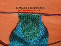 Knit cap heel (instructions for socks with 60 stitches) - roswitha - Stricken Knitted Headband, Knitted Hats, Textiles, Patterned Socks, How To Purl Knit, Sock Yarn, Knitting Socks, Knit Socks, Hand Dyed Yarn