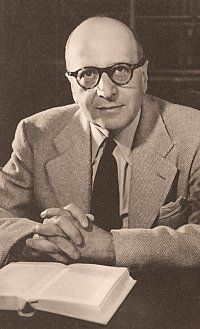 I 1930 ble Horkheimer leder for Institutt for sosialforskning i Frankfurt. Han betraktes gjerne som grunnleggeren av «kritisk teori». Horkheimer kritiserte samtidens sosialvitenskaper for å overse sine sosiale røtter og særlig tendensen til spesialisering og atskilthet fra samfunnet. Psykologi kan aldri forstås atskilt fra økonomi og kultur (Horkheimer, 1937).