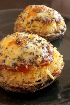 Spaghetti Squash and Portobello Mushroom Pizza - DUDE. portobello mushroom caps, spaghetti squash, homemade or jarred pizza sauce (could also use salsa), fancy shredded cheese, dried basil Veggie Dishes, Vegetable Recipes, Vegetarian Recipes, Cooking Recipes, Healthy Recipes, Healthy Meals, Think Food, I Love Food, Good Food