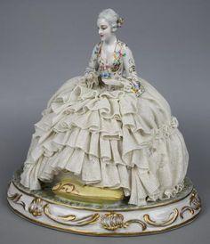 "... Capodimonte Luigi Fabris Figurine ""Sitting Lady with Flowers"" - LUX-FAIR. ..."